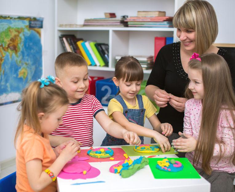 A gyermek idegen nyelvi fejlődése fontos Önnek? Válasszon minket!